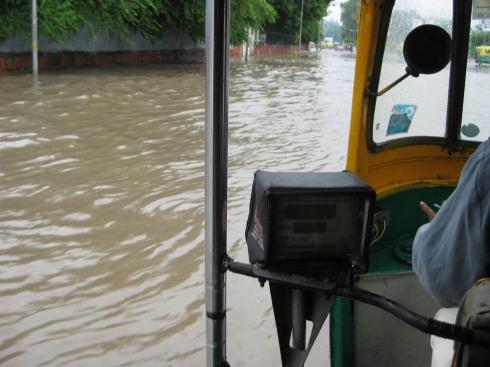 Autosurfing down Delhi Margs