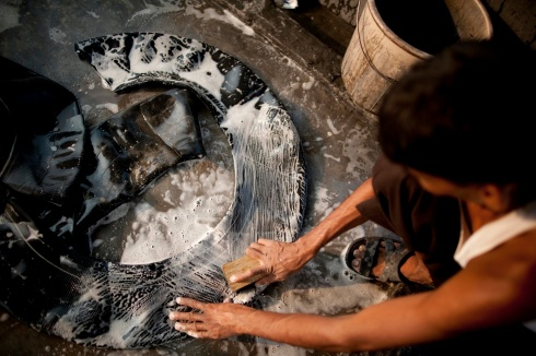 Conserve India production - cleaning tyre tubes